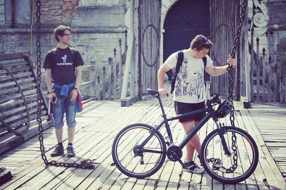 Поїздка замками на велосипедах